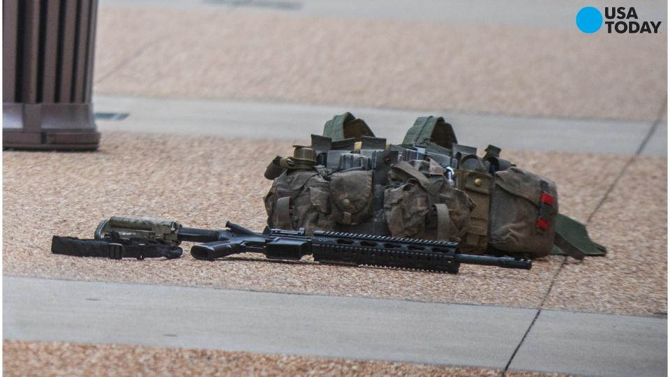 Man arrested at mall with assault rifle, ammo