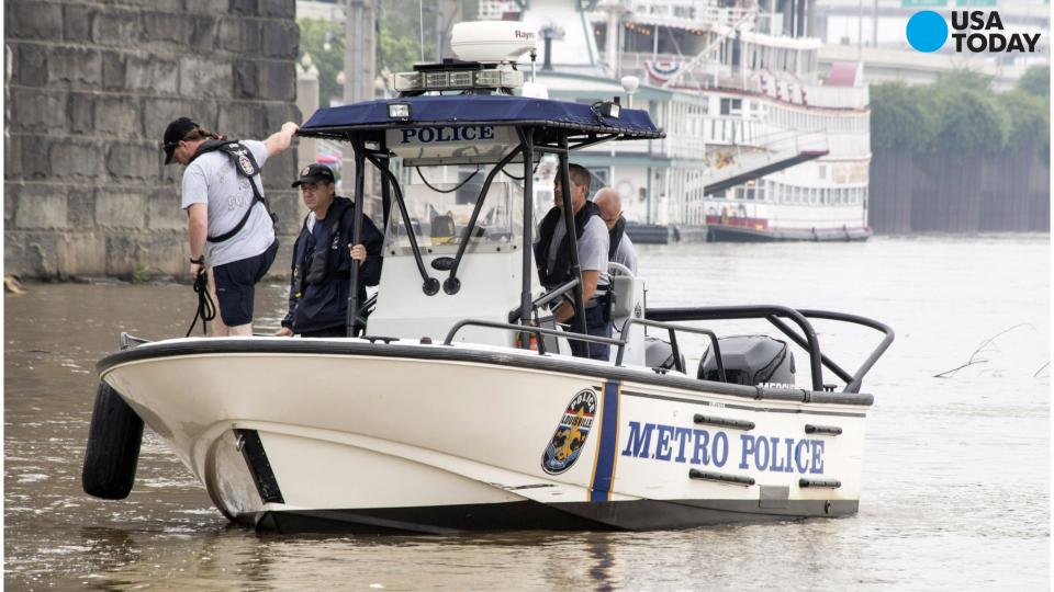 Boat capsizes in Ohio River: 2 dead, 3 missing