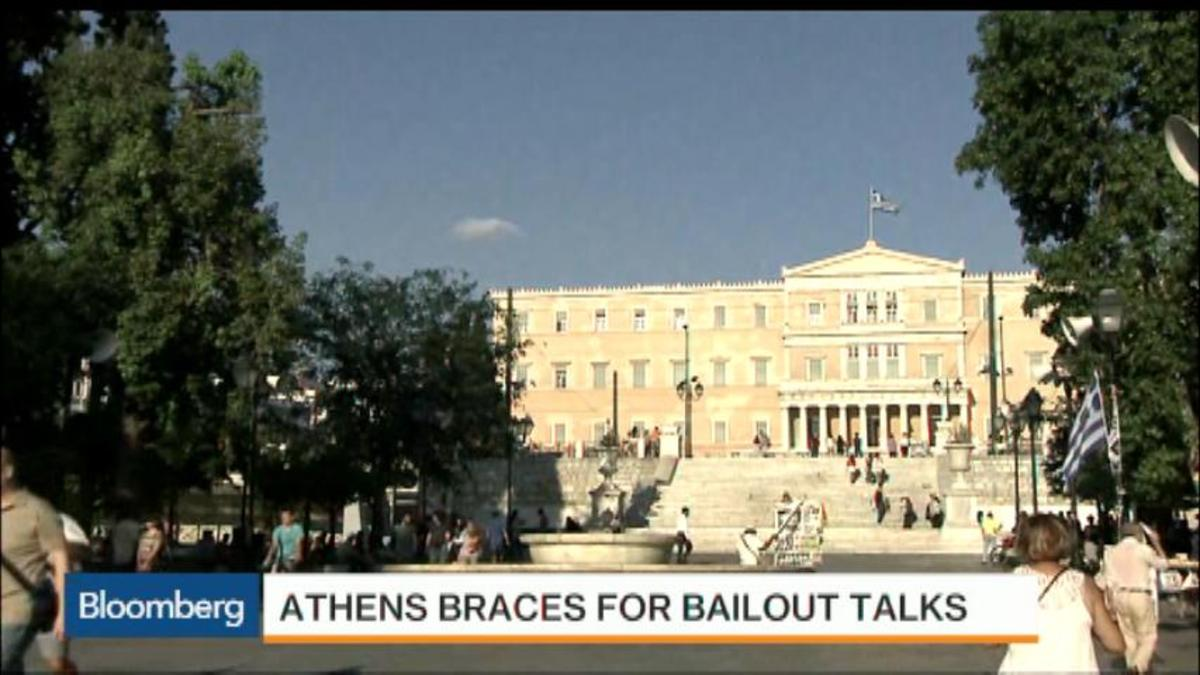 How are Greeks coping with closed banks?