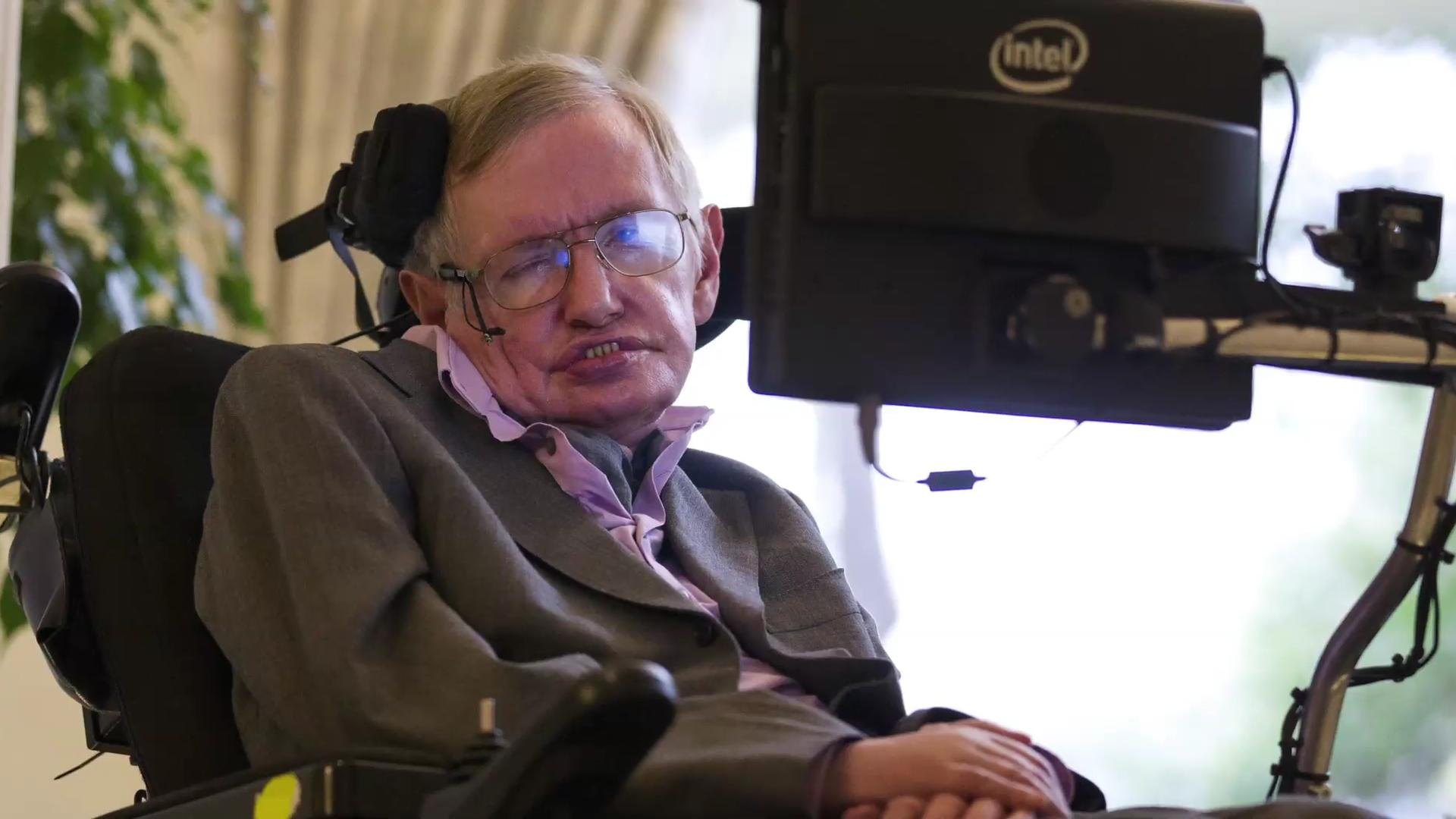 Stephen Hawking supports $100M fund towards search for alien life