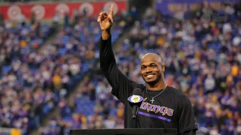NFL Daily Blitz: Adrian Peterson restructures contract