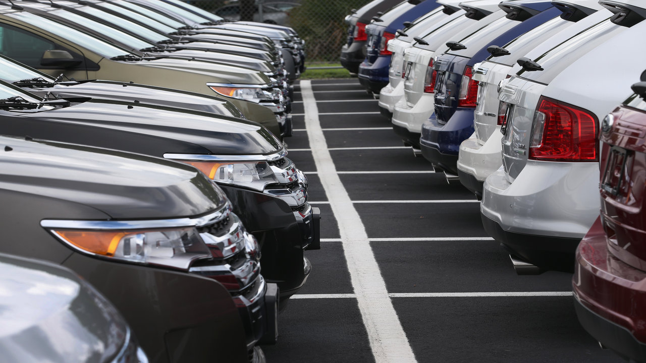 AutoNation CEO: Americans want bigger, better, faster