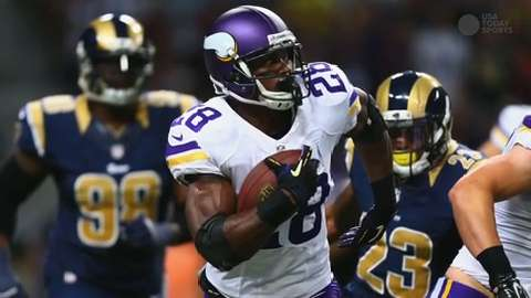 Adrian Peterson reports to Vikings training camp