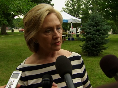 Clinton Confident On Proper Handling of Emails