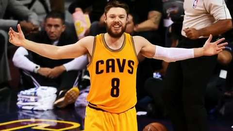 Dellavedova re-signs with Cavaliers