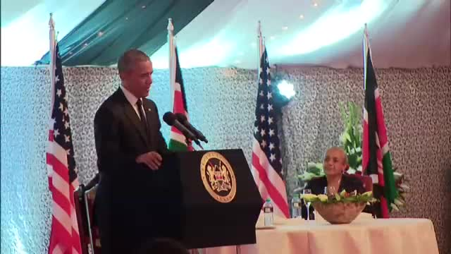 President Obama speaks at an Official dinner in Kenya