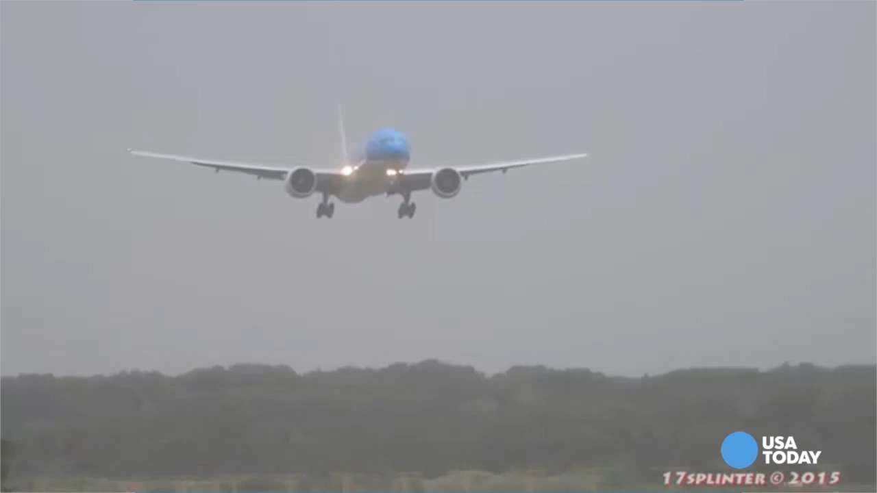 Pilot shows off skill during stomach-churning landing