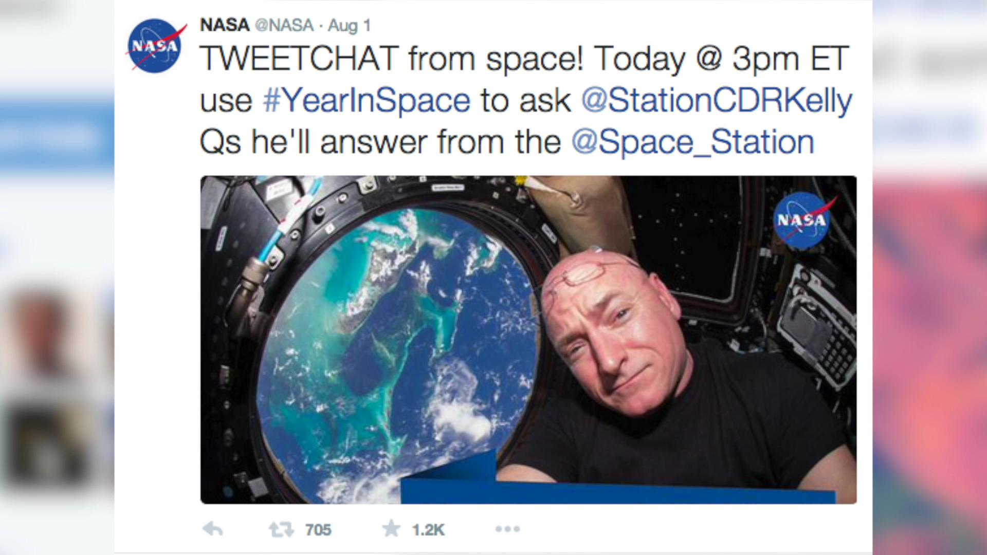 Even President Obama can't resist the first Twitter chat from space