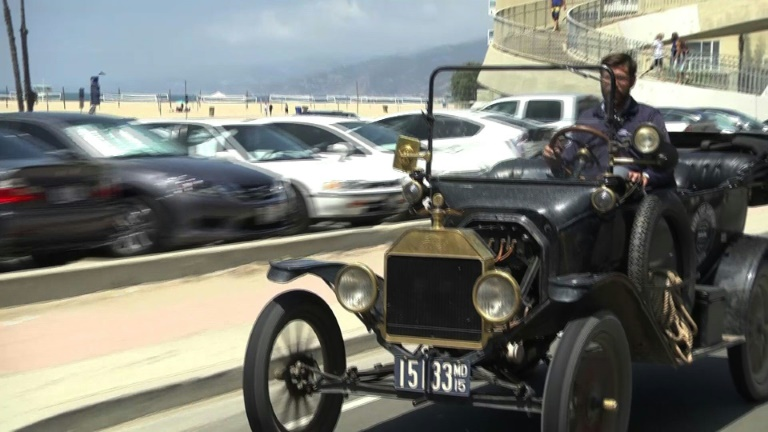 US enthusiasts mark 100 years since Ford's trans-America drive