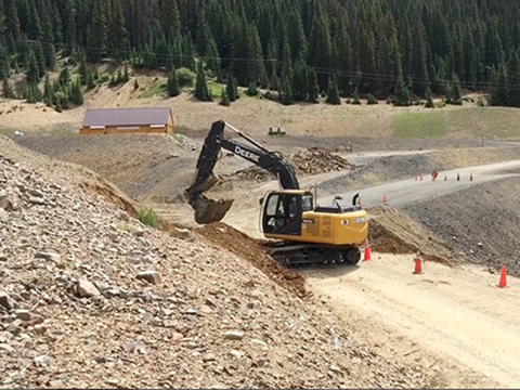Toxic sludge sends mining town back in time