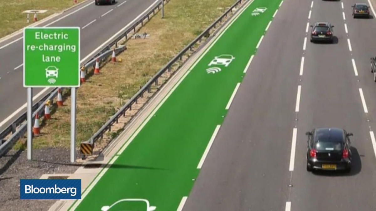 U.K. plans roads that charge electric cars as they drive