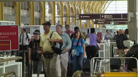 Airline price wars prompt 'ridiculously low' airfares