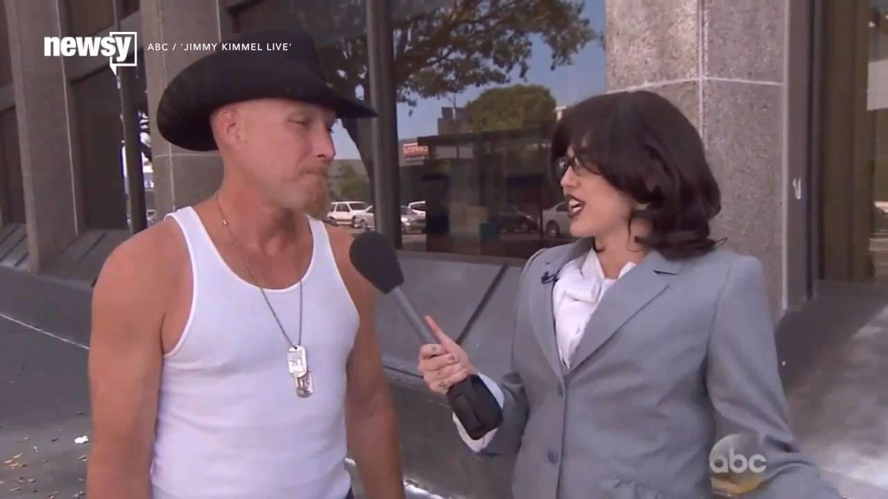 Miley Cyrus goes undercover to see what people think of her