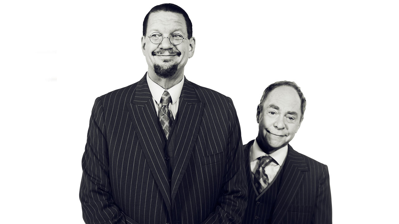 Penn & Teller do an eye-opening trick