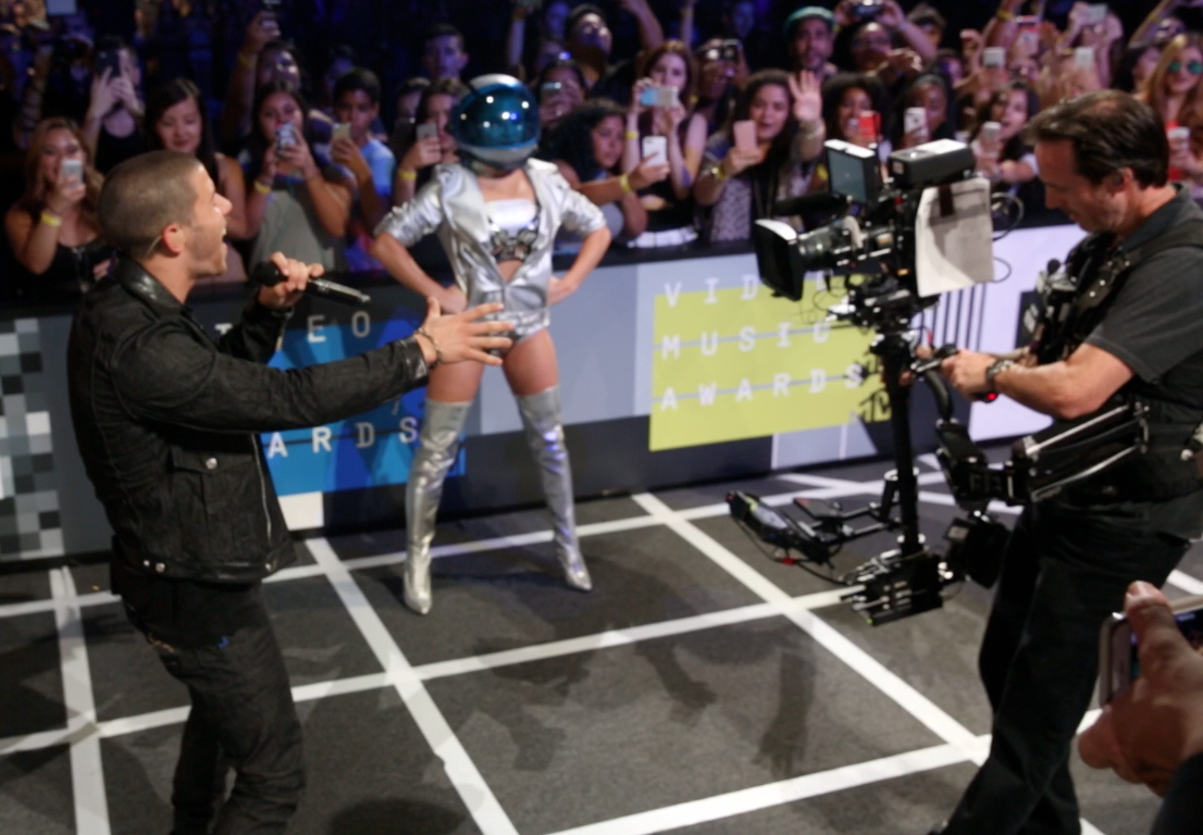 VMAs 2015: Our view from the red carpet