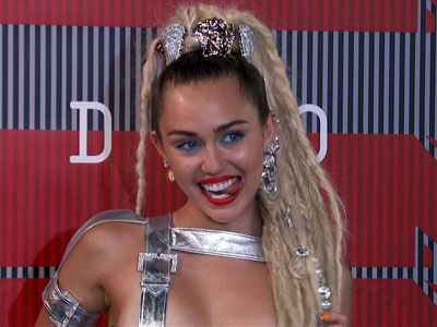 Miley Cyrus pushes the envelope with VMA fashion