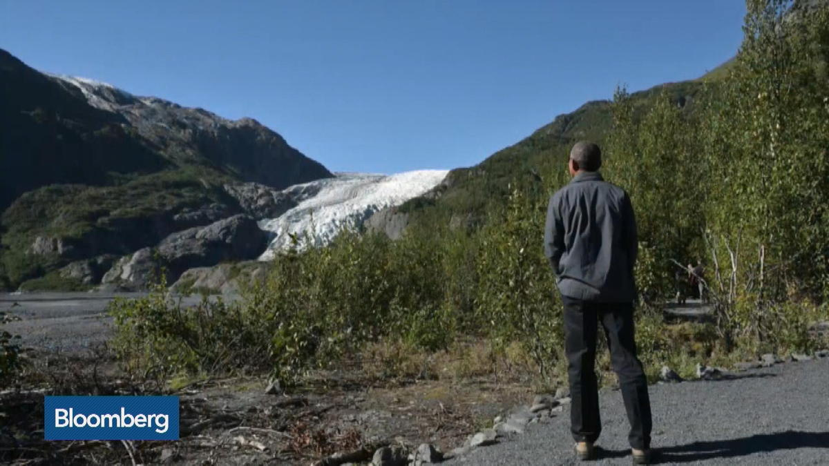 Top Photos: Obama hikes the glacier in Alaska