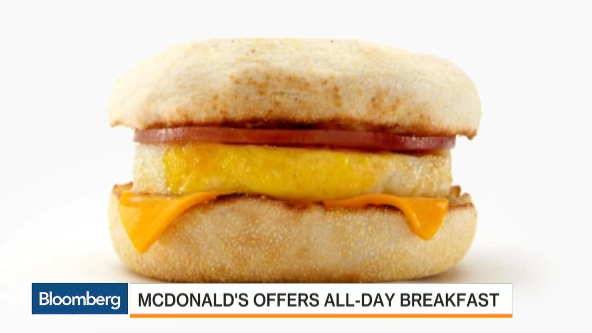 """Sep. 2 -- McDonald's will roll out an all-day breakfast menu on Oct. 6, meeting long-standing requests from customers as part of Chief Executive Officer Steve Easterbrook's turnaround plan. Bloomberg's Betty Liu and Mark Crumpton report on """"Bloomber"""