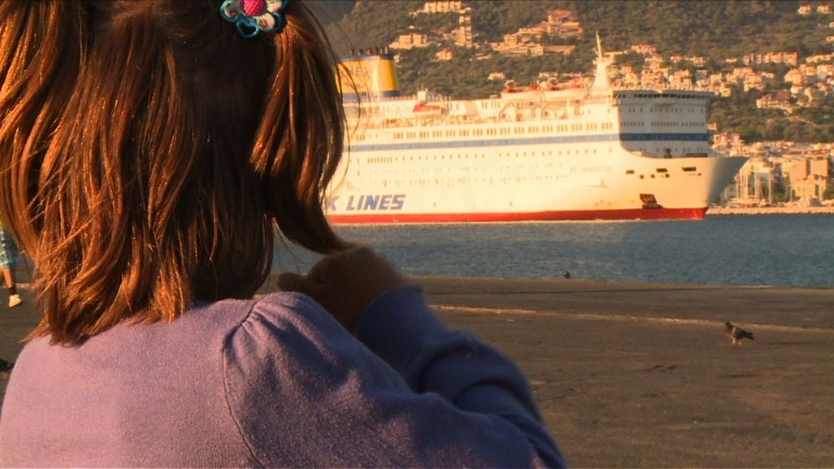 Syrian refugee family dream of 'new world' on arrival in Greece