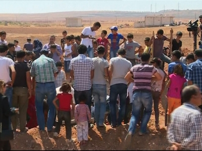 Raw: Drowned Refugee Boys Laid to Rest