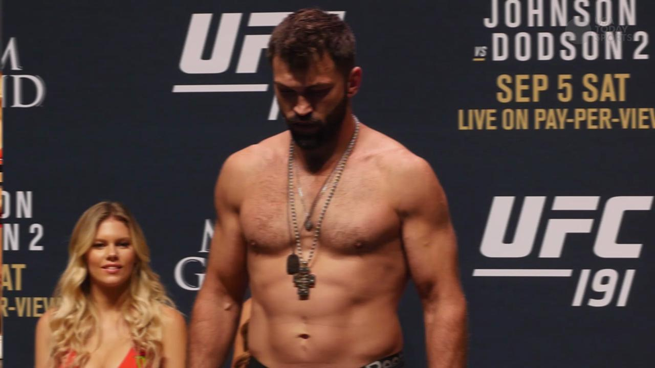 Main card fighters hit the scales at the UFC 191 weigh-ins