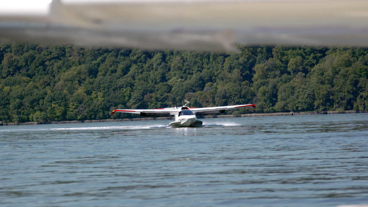 The Icon A5 Is a Folding Personal Plane Designed for Fun