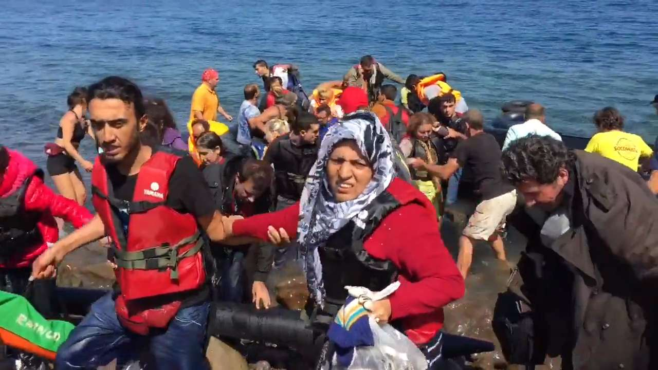 Emotional migrants arrive in Greece