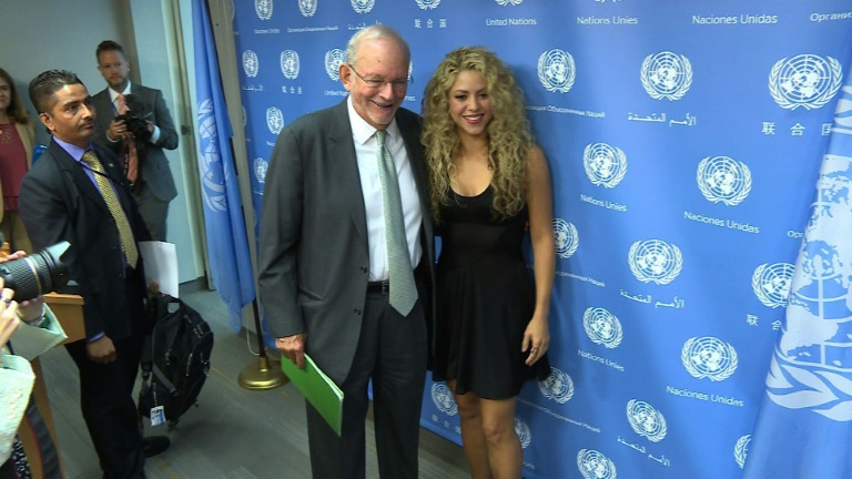 Shakira urges more help for refugees
