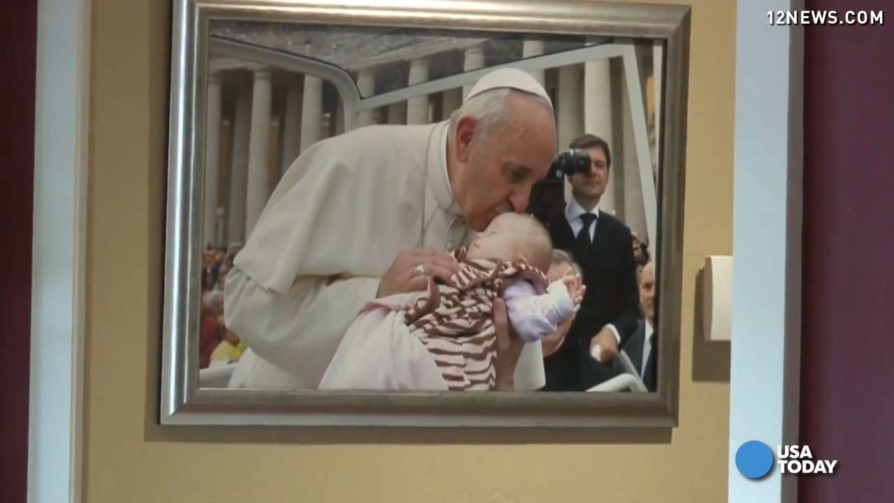Pope held sick baby, and what happened next is amazing