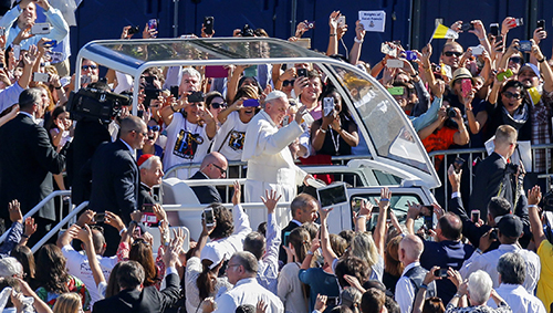 Thousands gather for historic Pope Francis visit