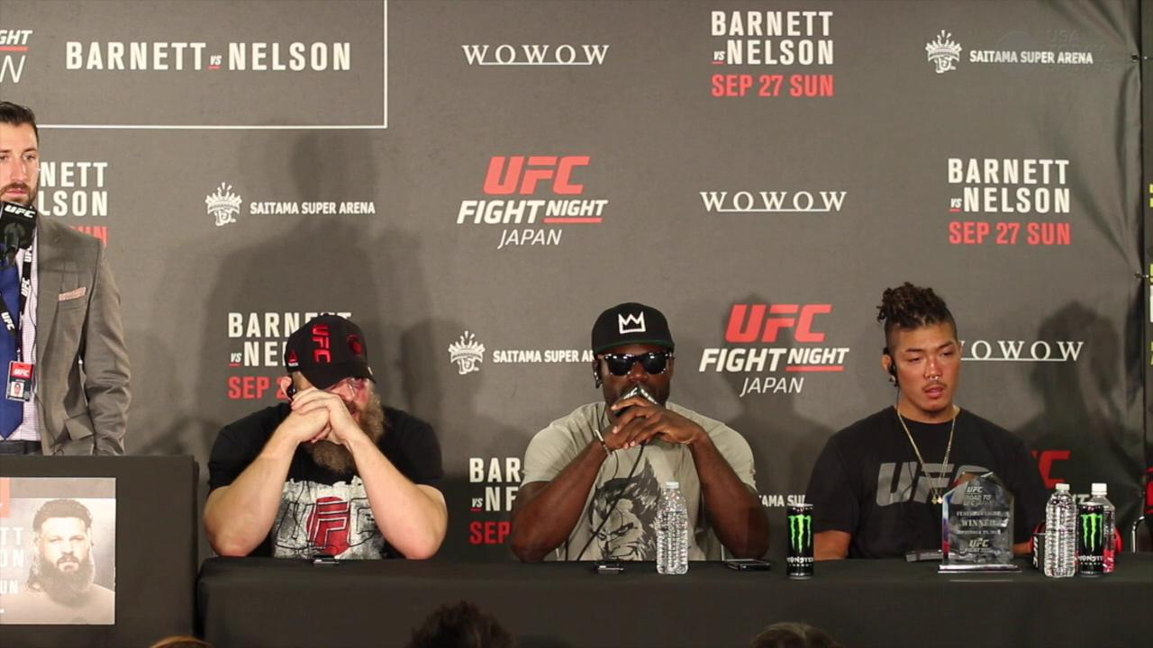 Uriah Hall says key to win was being 'smooth, comfortable and relaxed'
