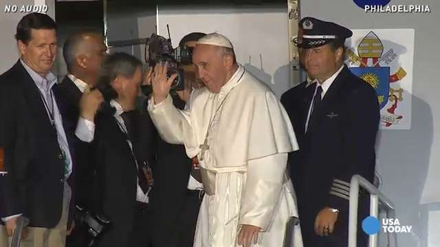 Pope Francis departs U.S. after historic visit