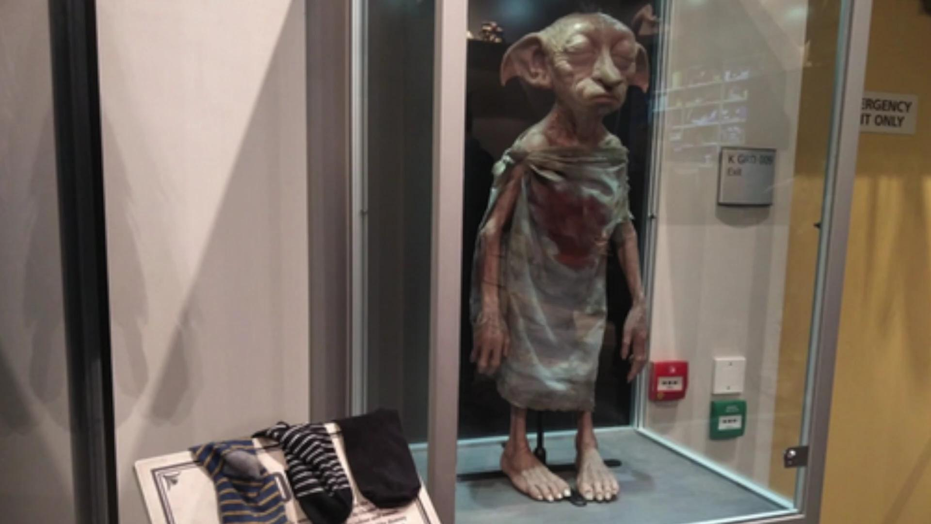 'Harry Potter' fans in London have started leaving socks in an attempt to free a Dobby statue from a glass case. Emily Eden (@edenandtheapple) has the story.