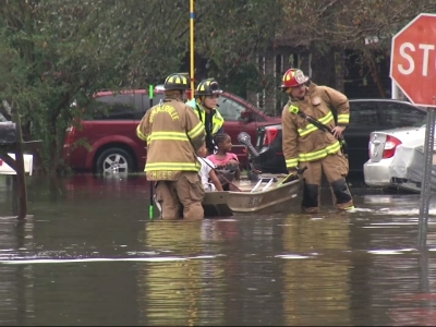 Raw: S.C. Residents Rescued Amid Heavy Flooding