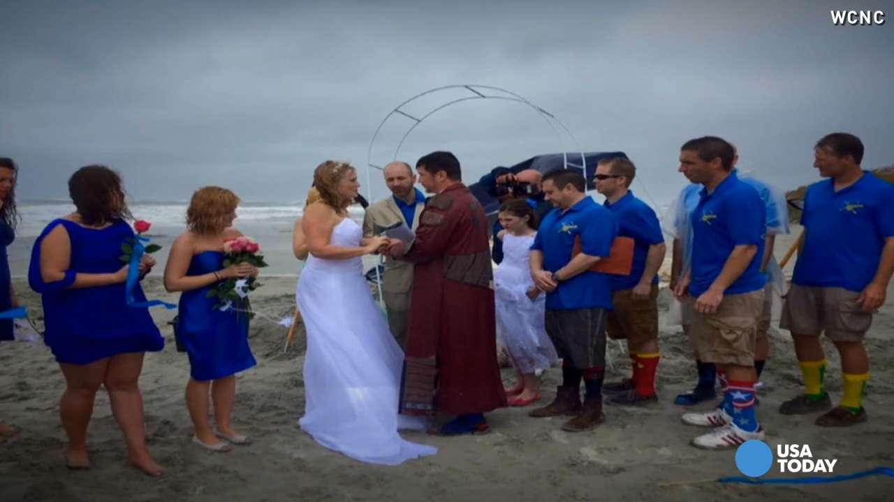 This couple didn't let a little rain spoil their big day