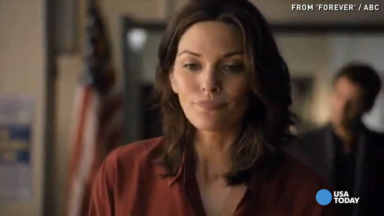 Critic's Corner: Alana de la Garza is back on screen