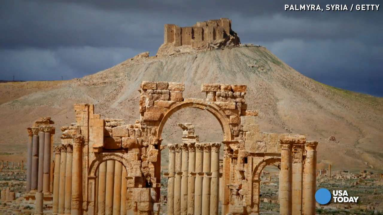 Reports: Islamic State blows up Palmyra's iconic arch