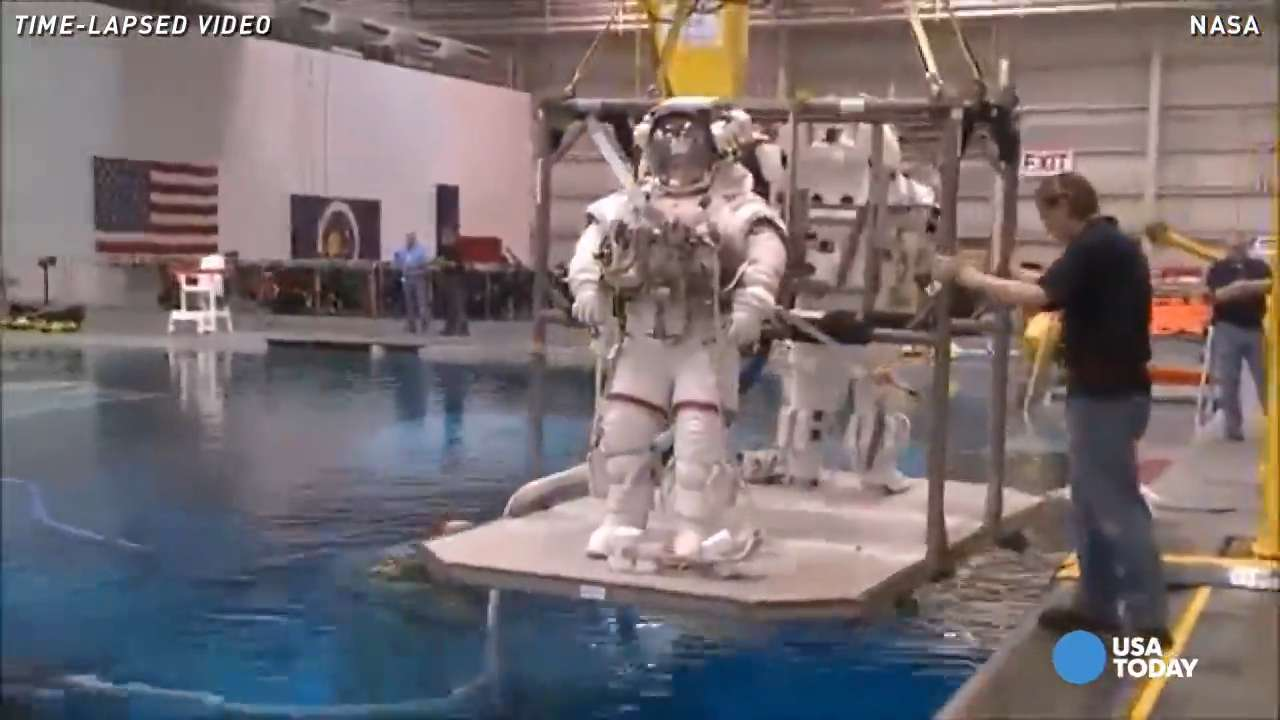 NASA astronaut shows you how to 'suit up' in 60 seconds