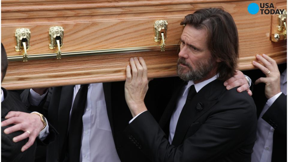 Emotional Jim Carrey carries ex-girlfriend's coffin