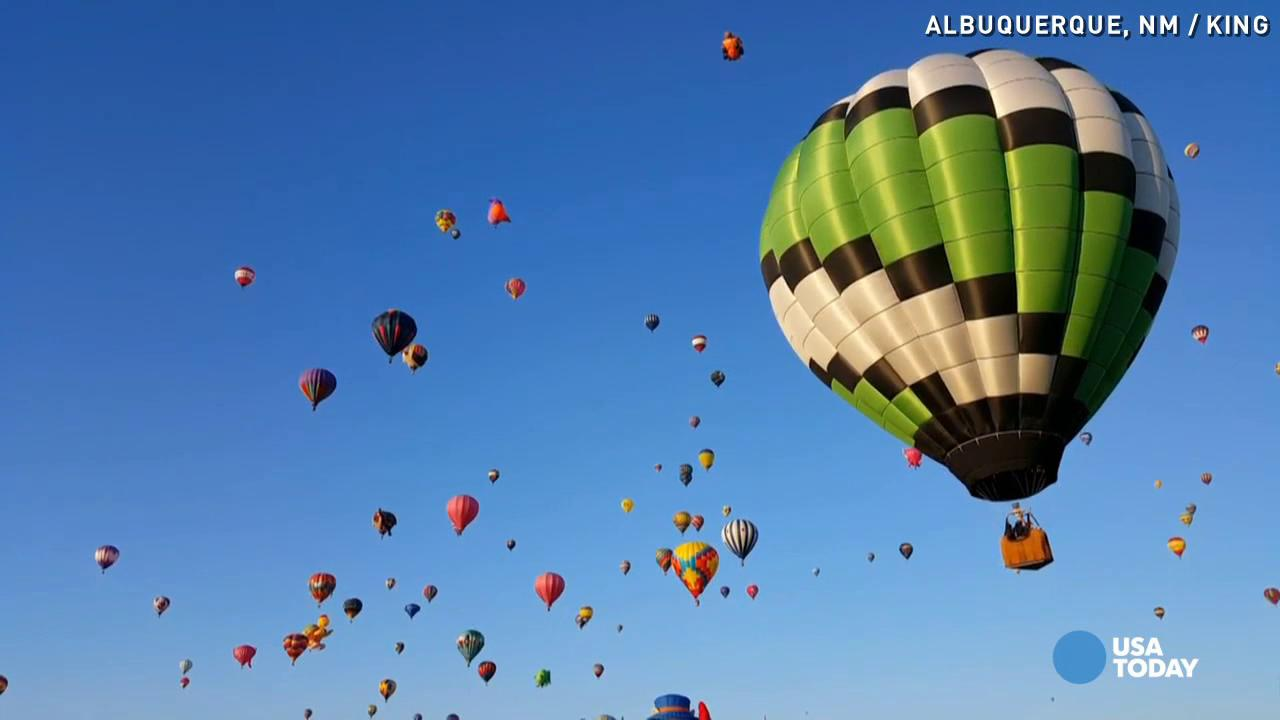 Here's what 500 hot air balloons in the sky looks like