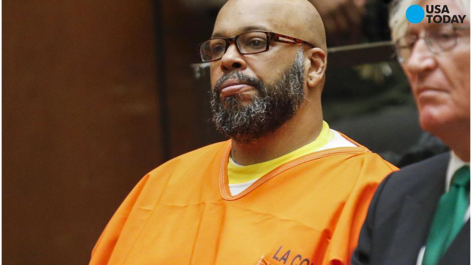Suge Knight will face trial on charge of stealing Paparazzo's camera