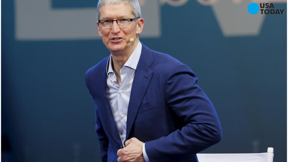 Tim Cook says auto industry yearns for massive change
