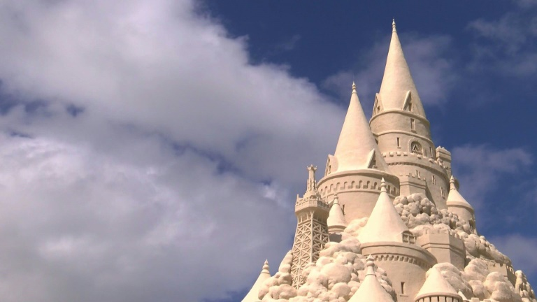 A towering sandcastle in Miami unveiled Monday broke the Guinness World Record for tallest sandcastle in the world at 45-feet, 10.25 inches. The sandcastle was commissioned by Turkish Airlines.