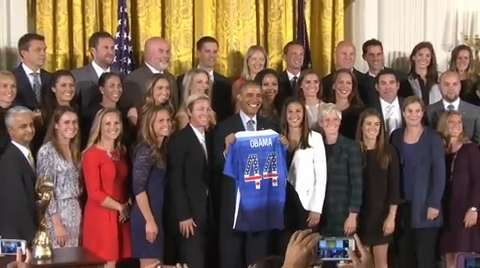 Obama meets US Women's Soccer Team