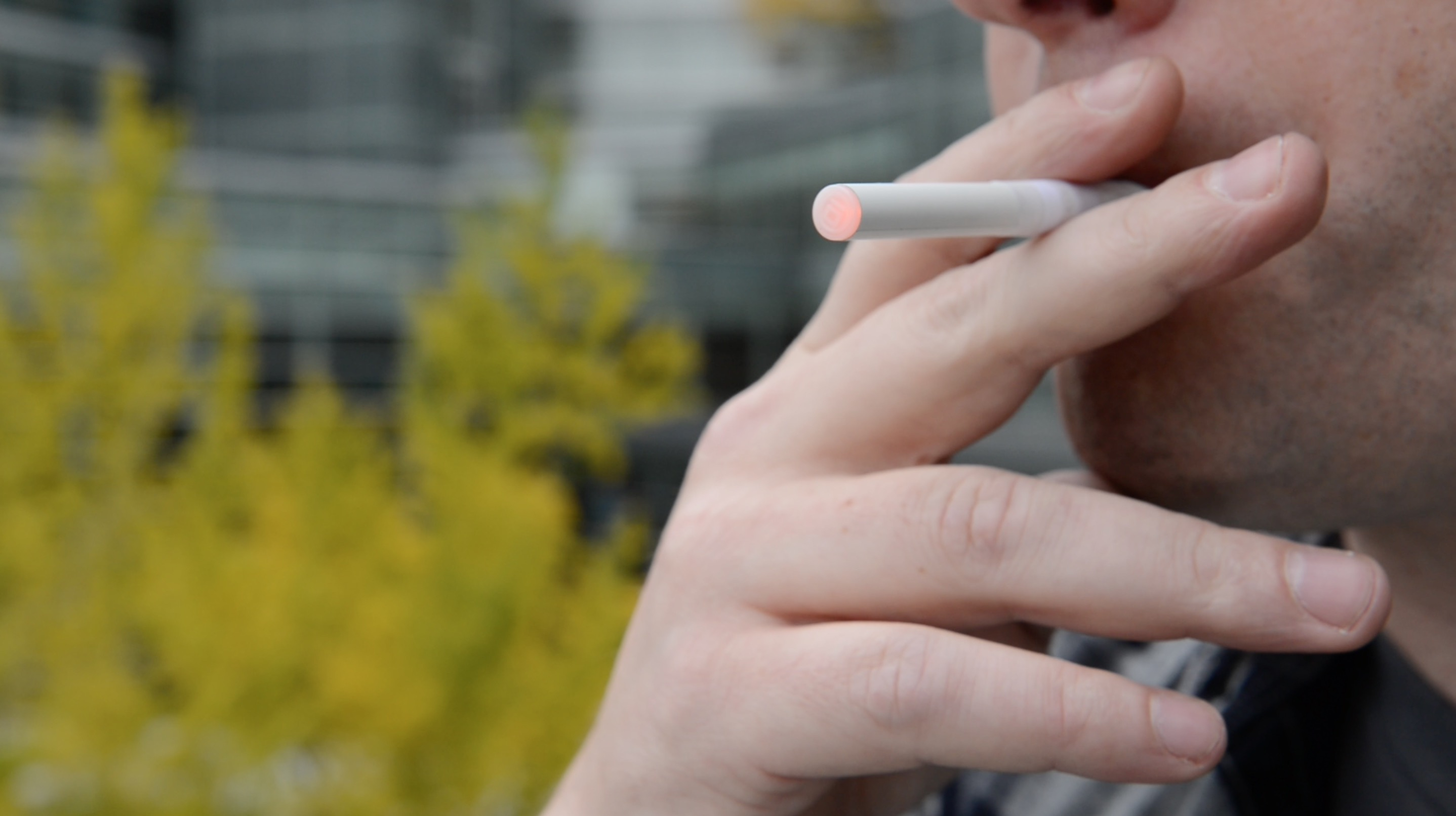 Cheap Benson Hedges cigarettes in England