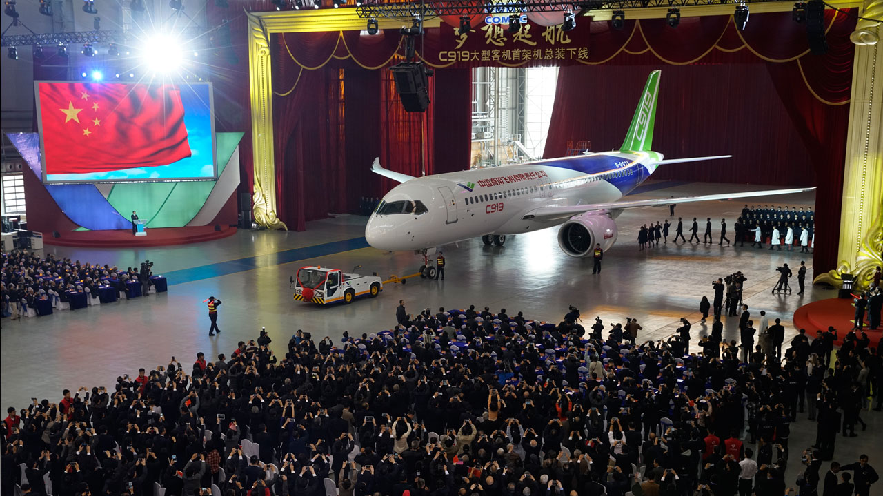 China unveils its first homegrown large passenger plane