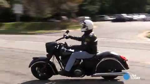 USA TODAY's George Petras reviews Indian Motorcycle's vintage cruiser, the Chief Dark Horse.