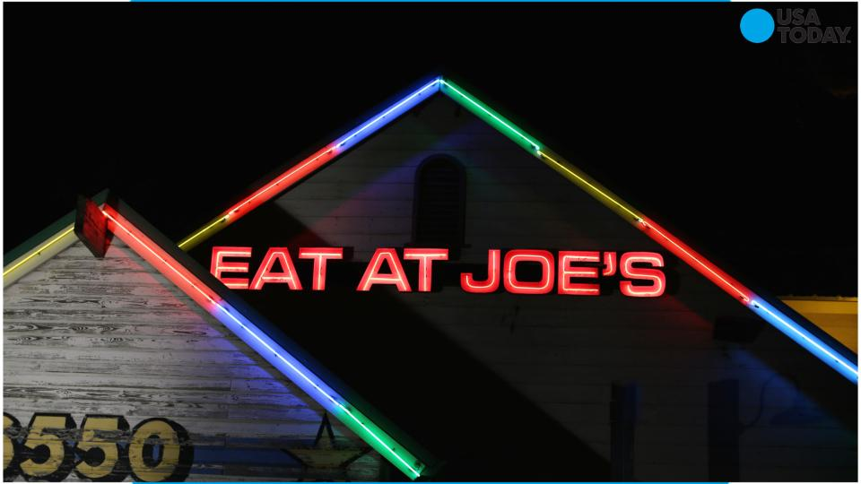 Joe's Crab Shack to test no tipping policy