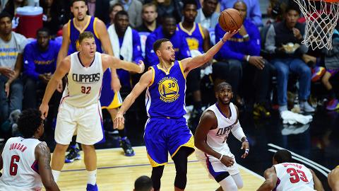 Stephen Curry, Warriors stay perfect with comeback win over Clippers