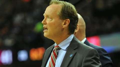 USA TODAY Sports' Jeff Zillgitt breaks down whether the NBA should have suspended Hawks head coach Mike Budenholzer.